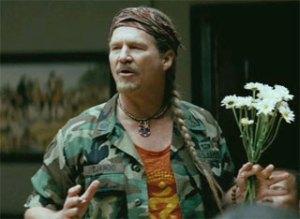 Jeff Bridges interpretando a Andrija Puharich en Los hombres que miraban fijamente a las cabras.
