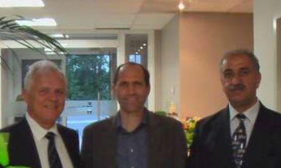 Konstantin Meyl, Sterling Allen y Keshe después de la conferencia impartida en setiembre de 2012 donde anunciaron la liberación de sistemas de energía libre basados en el plasma.