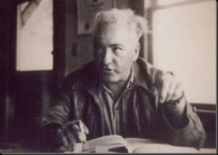 Wilhelm Reich y el descubrimiento del orgón. Cuarta Parte. El experimento ORANUR, el D.O.R y el Eter Reich_gesturing_in_jacket_thumb