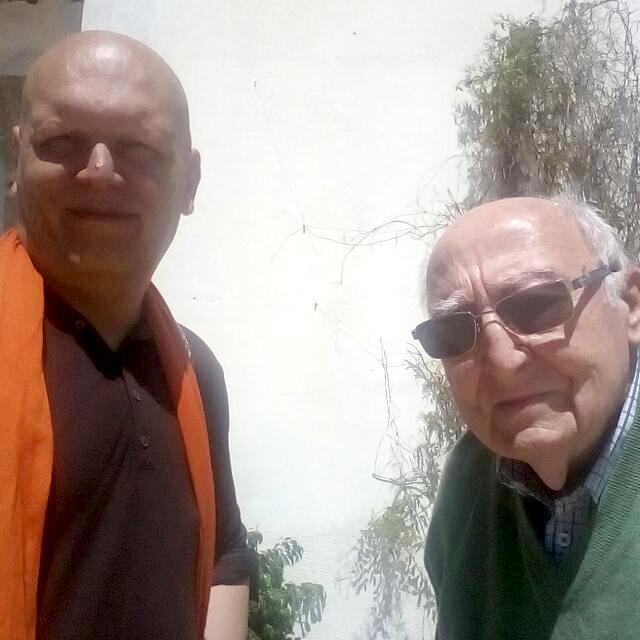 El autor, con Don Alberto Borrás Gabarró. Foto tomada el pasado 1 de Junio en su domicilio.